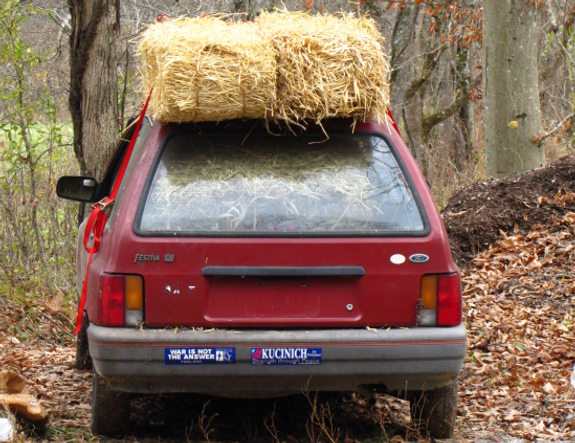 how to secure multiple bales of straw and or hay atop a small hatchback car