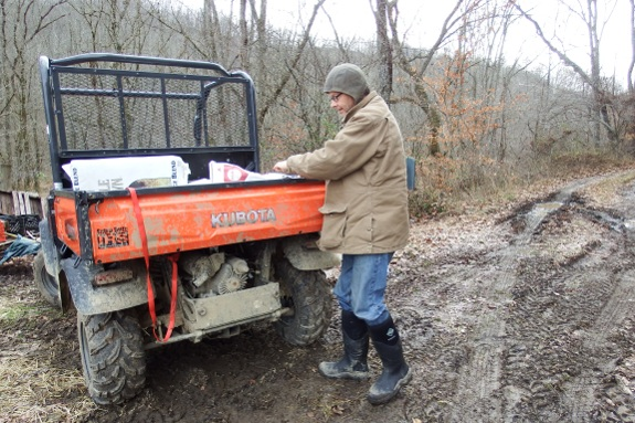 Kubota X900 gets stuck and then unstuck.